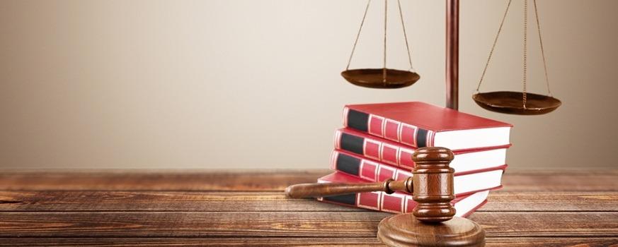 7 uforståelige juraudtryk alle bør kende